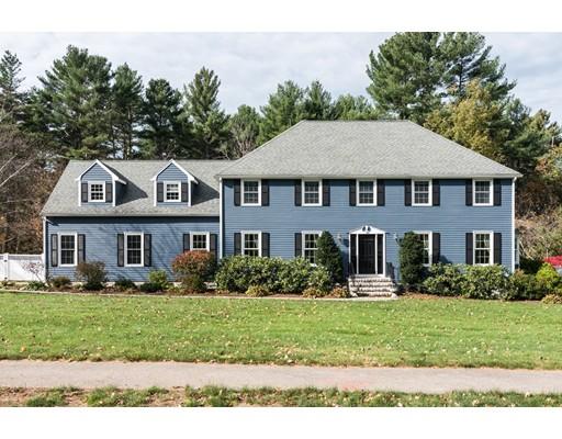 Casa Unifamiliar por un Venta en 15 Delaware Road 15 Delaware Road Medfield, Massachusetts 02052 Estados Unidos