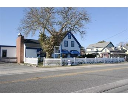 Commercial for Rent at 435 Main Street 435 Main Street Dennis, Massachusetts 02639 United States