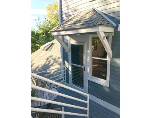 共管式独立产权公寓 为 销售 在 41 Lourdes Avenue 41 Lourdes Avenue 波士顿, 马萨诸塞州 02130 美国