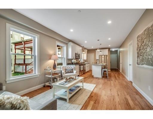 独户住宅 为 出租 在 17 Maywood Street 波士顿, 马萨诸塞州 02119 美国