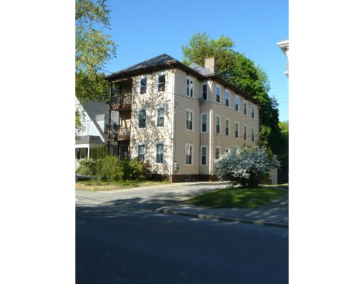شقة للـ Rent في 16 Pleasant St #2 16 Pleasant St #2 Spencer, Massachusetts 01562 United States