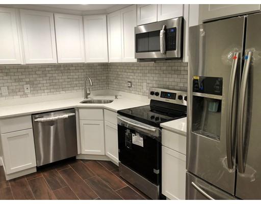 Casa Unifamiliar por un Alquiler en 53 Oldfields Road Boston, Massachusetts 02121 Estados Unidos