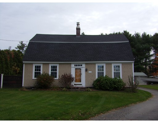 Single Family Home for Sale at 820 Main Street 820 Main Street Acushnet, Massachusetts 02743 United States