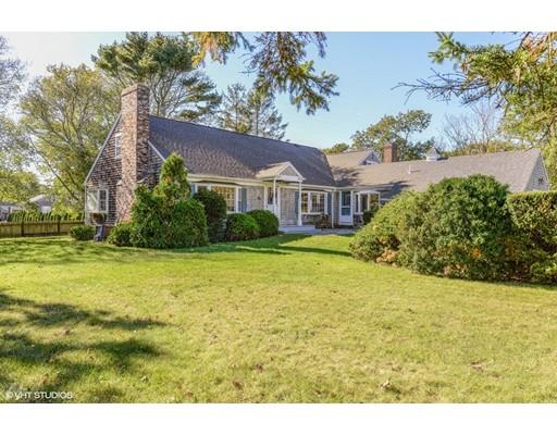 Casa Unifamiliar por un Venta en 108 Berry Avenue 108 Berry Avenue Yarmouth, Massachusetts 02673 Estados Unidos