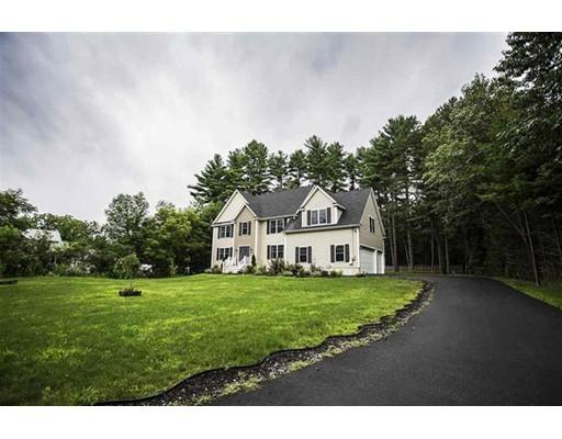 Casa Unifamiliar por un Venta en 35 Gilson Road 35 Gilson Road Nashua, Nueva Hampshire 03062 Estados Unidos