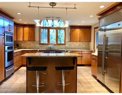 Maison unifamiliale pour l Vente à 61 BEVERLY HILL Drive 61 BEVERLY HILL Drive Shrewsbury, Massachusetts 01545 États-Unis