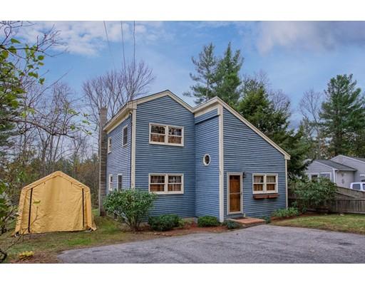 واحد منزل الأسرة للـ Sale في 10 Cove Road 10 Cove Road Salem, New Hampshire 03079 United States
