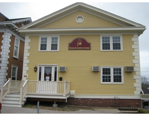 Comercial por un Alquiler en 168 North Main Street 168 North Main Street Andover, Massachusetts 01810 Estados Unidos