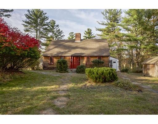 واحد منزل الأسرة للـ Sale في 791 Chestnut Hill Road 791 Chestnut Hill Road Glocester, Rhode Island 02814 United States