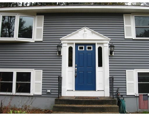Maison unifamiliale pour l Vente à 11 Bonnie Lane 11 Bonnie Lane Hudson, New Hampshire 03051 États-Unis