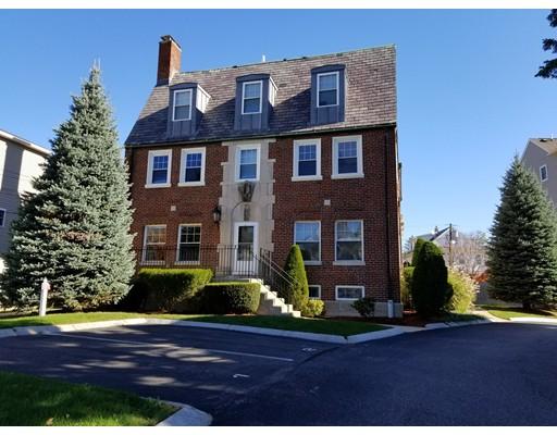 共管式独立产权公寓 为 销售 在 193 Bucknam Street 193 Bucknam Street Everett, 马萨诸塞州 02149 美国