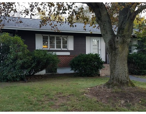 独户住宅 为 销售 在 17 Beresford Street 17 Beresford Street Lawrence, 马萨诸塞州 01843 美国