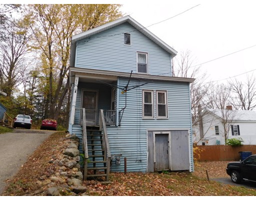 واحد منزل الأسرة للـ Sale في 84 Southbridge Road 84 Southbridge Road Warren, Massachusetts 01083 United States
