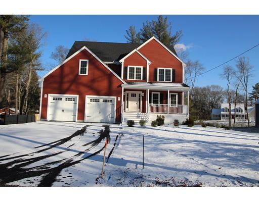 独户住宅 为 销售 在 440 Harvard Street 440 Harvard Street Whitman, 马萨诸塞州 02382 美国
