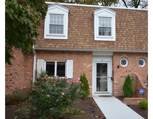 共管式独立产权公寓 为 销售 在 39 West Summit Street 39 West Summit Street South Hadley, 马萨诸塞州 01075 美国