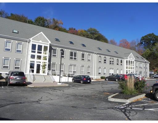 Commercial pour l à louer à 491 Maple Street 491 Maple Street Danvers, Massachusetts 01923 États-Unis