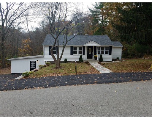 Single Family Home for Sale at 77 Berlin Street 77 Berlin Street Auburn, Massachusetts 01501 United States