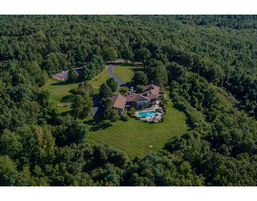 Single Family Home for Sale at 310 Flagg Hill Road on Windermere 310 Flagg Hill Road on Windermere Boxborough, Massachusetts 01719 United States