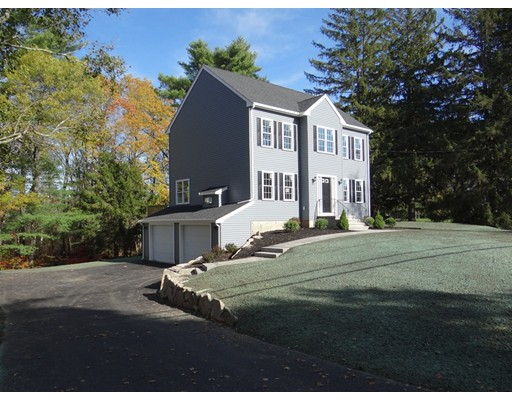 Single Family Home for Sale at 411 Brook Street 411 Brook Street Hanson, Massachusetts 02341 United States