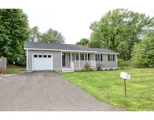 独户住宅 为 销售 在 10 Haig Avenue 10 Haig Avenue South Hadley, 马萨诸塞州 01075 美国