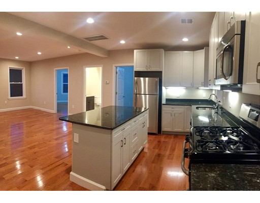Additional photo for property listing at 655 Cross Street  Malden, Massachusetts 02148 Estados Unidos
