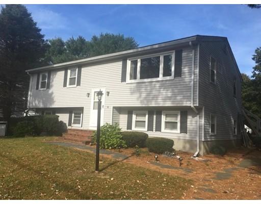独户住宅 为 销售 在 16 Ruth Ellen Road 16 Ruth Ellen Road Raynham, 马萨诸塞州 02767 美国