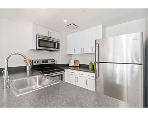 Additional photo for property listing at 295 Harvard Street #8 295 Harvard Street #8 Cambridge, Massachusetts 02139 United States
