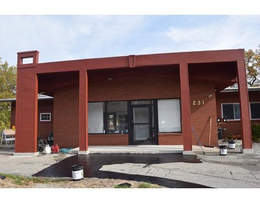 Casa Unifamiliar por un Alquiler en 231 Lake Avenue 231 Lake Avenue Worcester, Massachusetts 01604 Estados Unidos