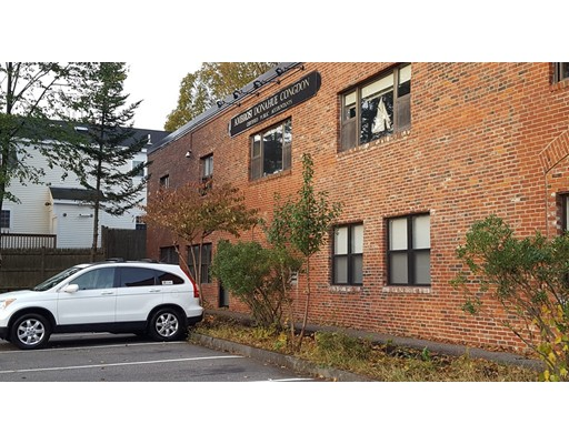 Commercial pour l à louer à 1 Harris Street 1 Harris Street Newburyport, Massachusetts 01950 États-Unis