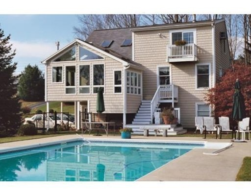 Additional photo for property listing at 35 River Road 35 River Road Tewksbury, Massachusetts 01876 Estados Unidos