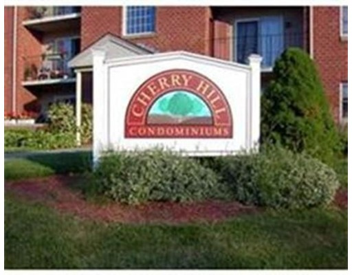 Apartment for Rent at 14 Maple Crest Cir #A 14 Maple Crest Cir #A Holyoke, Massachusetts 01040 United States