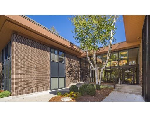 Commercial pour l Vente à 154 Wells Avenue 154 Wells Avenue Newton, Massachusetts 02459 États-Unis