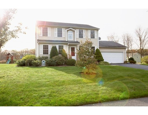 Single Family Home for Sale at 21 Ashley Court 21 Ashley Court Johnston, Rhode Island 02919 United States