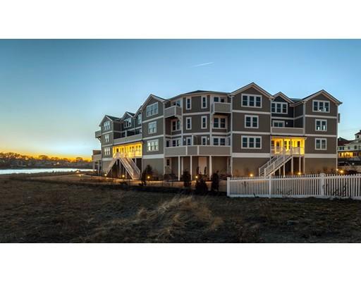 Appartement en copropriété pour l Vente à 7 Bay Street #4 7 Bay Street #4 Hull, Massachusetts 02045 États-Unis