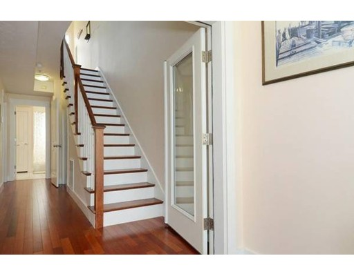 Casa Unifamiliar por un Alquiler en 552 Dorchester Avenue Boston, Massachusetts 02127 Estados Unidos