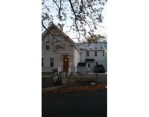 Maison avec plusieurs logements pour l Vente à 2 Highgate Street 2 Highgate Street Lawrence, Massachusetts 01841 États-Unis