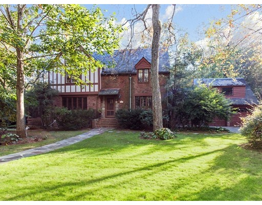 Casa Unifamiliar por un Venta en 118 Hundreds Road 118 Hundreds Road Wellesley, Massachusetts 02481 Estados Unidos