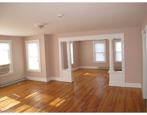 Single Family Home for Rent at 54 Townsend Street Worcester, Massachusetts 01609 United States