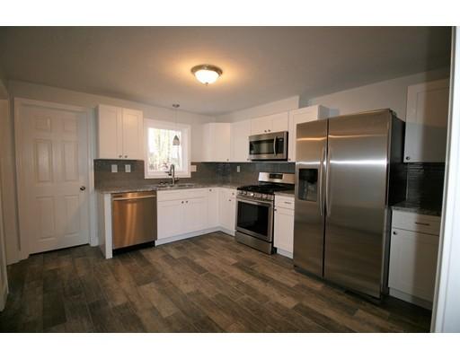 واحد منزل الأسرة للـ Sale في 47 Berry St. Ext. 47 Berry St. Ext. Fitchburg, Massachusetts 01420 United States