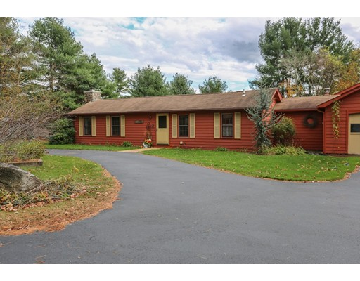 独户住宅 为 销售 在 15 Westboro Road 15 Westboro Road 厄普顿, 马萨诸塞州 01568 美国