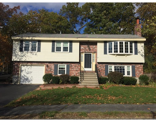 Casa Unifamiliar por un Venta en 37 Wood Lane 37 Wood Lane Maynard, Massachusetts 01754 Estados Unidos