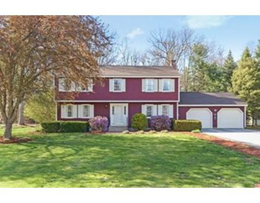 واحد منزل الأسرة للـ Sale في 8 Plaza Avenue 8 Plaza Avenue Hudson, New Hampshire 03051 United States