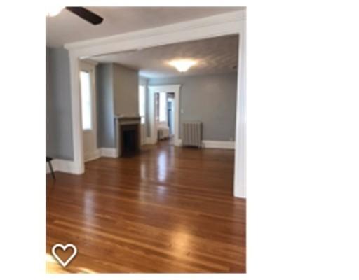 Apartamento por un Alquiler en 125 Dartmouth #1 125 Dartmouth #1 New Bedford, Massachusetts 02740 Estados Unidos