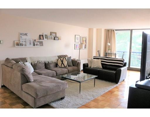 独户住宅 为 出租 在 60 LONGWOOD 布鲁克莱恩, 02446 美国