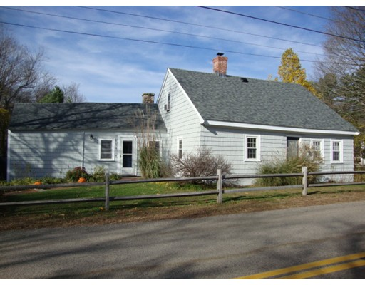 Single Family Home for Sale at 134 North Street 134 North Street Norfolk, Massachusetts 02056 United States