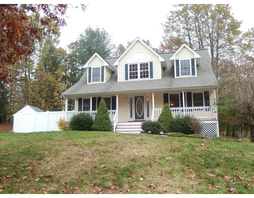 Single Family Home for Sale at 10 Horseshoe Lane 10 Horseshoe Lane Clinton, Massachusetts 01510 United States