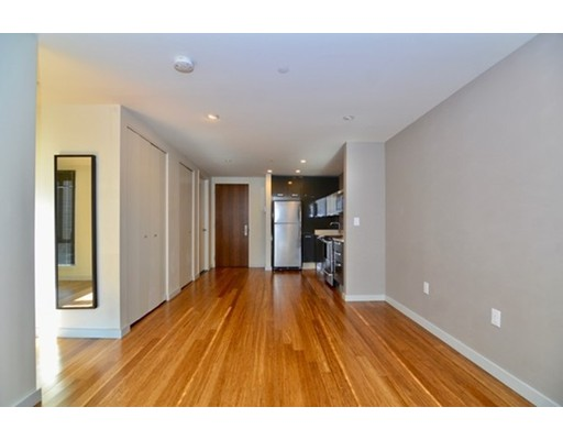 Additional photo for property listing at 691 Massachusetts  Boston, Massachusetts 02118 Estados Unidos