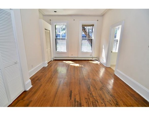 Additional photo for property listing at 87 East Brookline  Boston, Massachusetts 02118 Estados Unidos