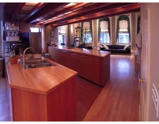 Appartement en copropriété pour l à louer à 135 Main St #2 135 Main St #2 Northampton, Massachusetts 01053 États-Unis