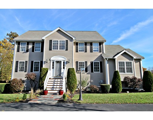 Single Family Home for Sale at 28 Garden Lane 28 Garden Lane Wakefield, Massachusetts 01880 United States